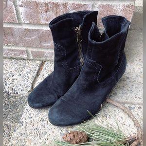 Style Staple, SAM EDELMAN, black, suede booties!!